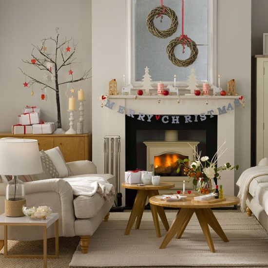 Budget christmas decorating ideas crochet patterns and for Living room ideas on a budget uk