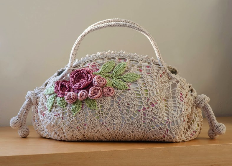 Crochet pattern of a precious bag (2)